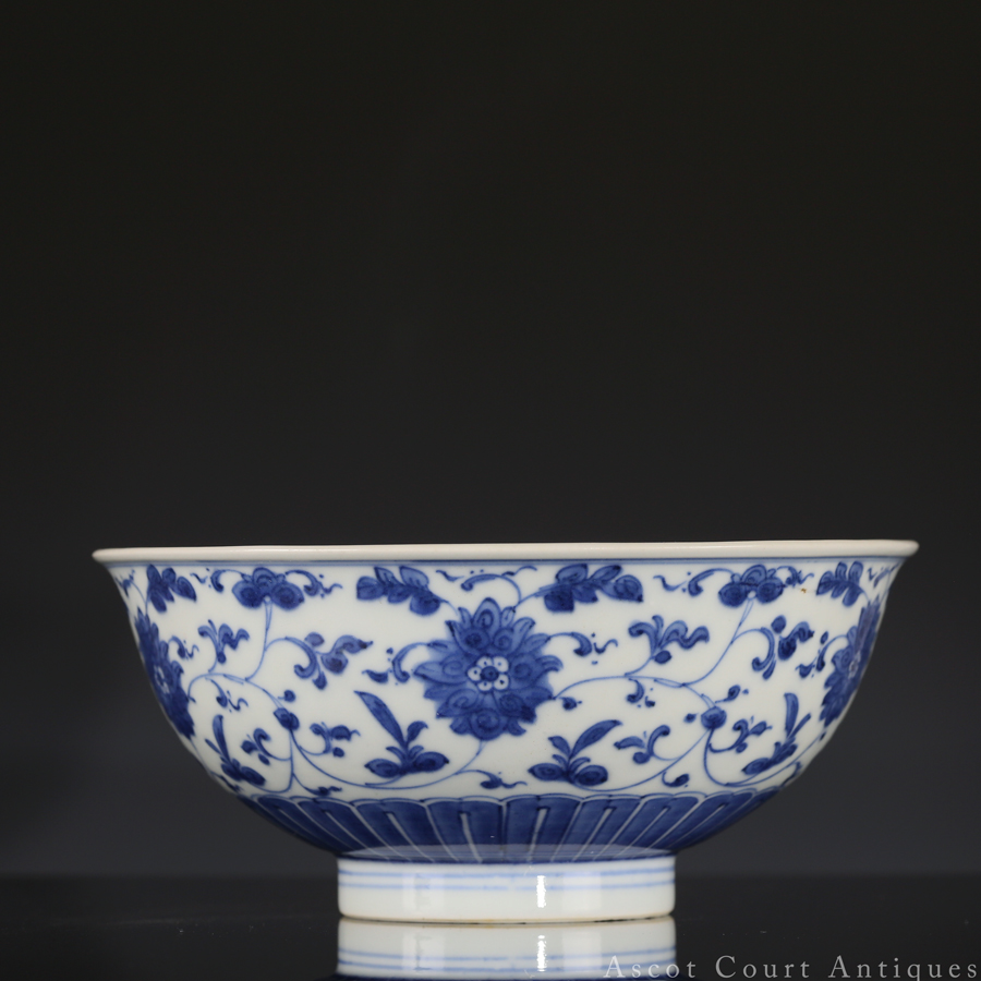 QIANLONG MARK AND PERIOD BLUE & WHITE PORCELAIN BOWL