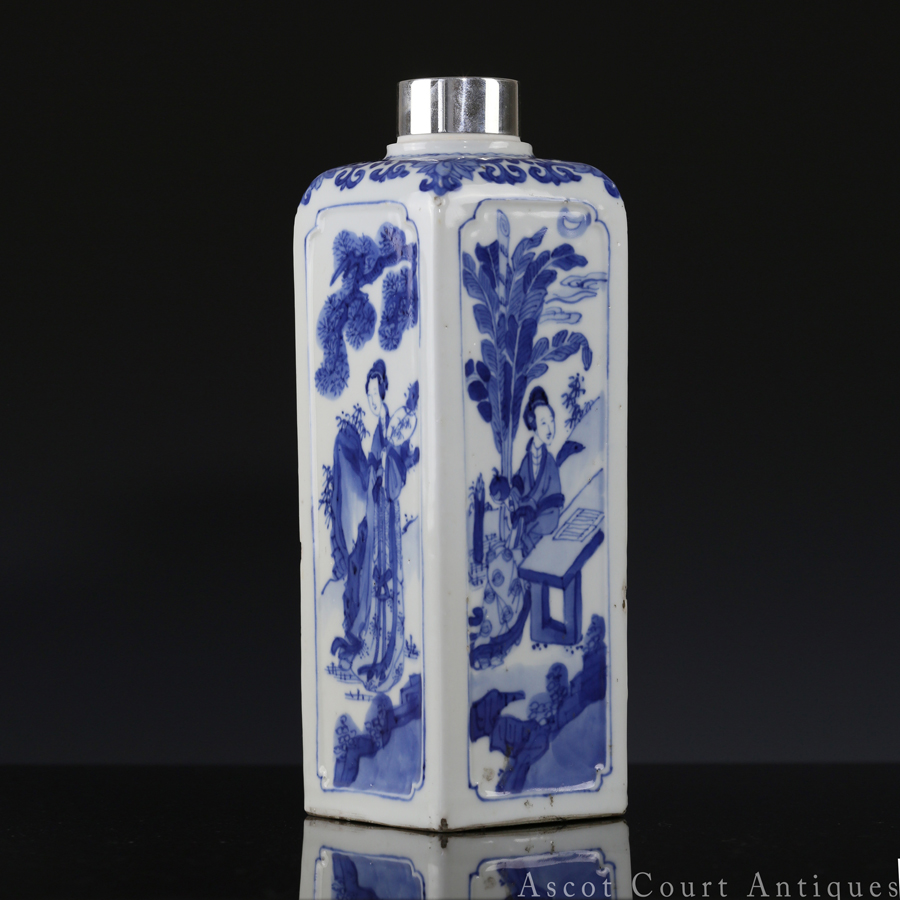 清康熙 青花仕女图四方瓶 Kangxi Blue and White Figural Four Sided Bottle
